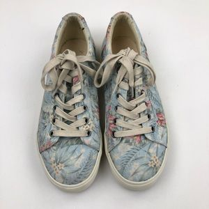 Taos Floral Tropical Lace Up Sneakers Size 9